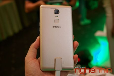 Infinix ra mat cap smartphone pin khung gia tu 2,5 trieu dong - Anh 3
