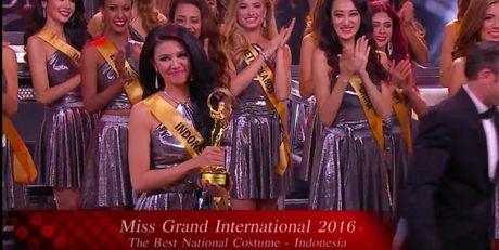 Nguoi dep Nguyen Thi Loan vao top 20 'Hoa hau Hoa binh Quoc te 2016' - Anh 2