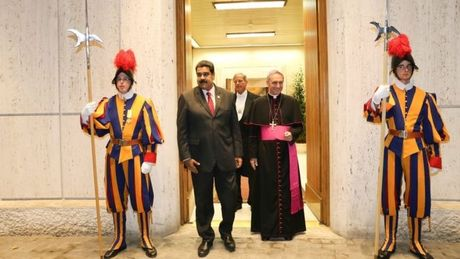 Tong thong Venezuela Maduro dong y hoi dam voi phe doi lap - Anh 1