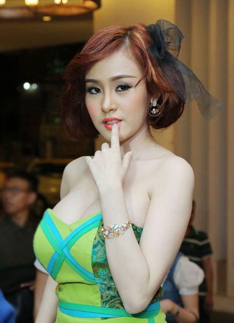 Nhung my nhan Viet da dung 'hang gia' lai con hay khoe - Anh 12