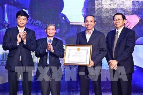 Cong bo 50 doanh nghiep cong nghe thong tin hang dau Viet Nam 2016 - Anh 1