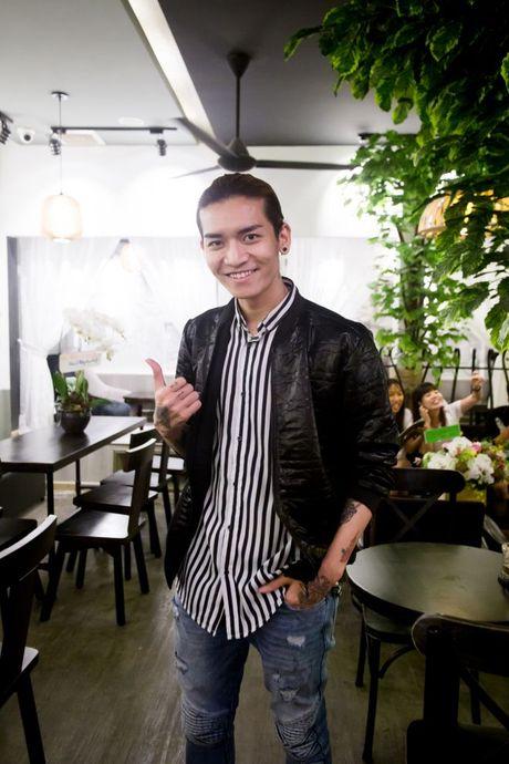 Harry Lu phan khich tai ngo 'chi dai Huong Ga' tai su kien - Anh 6