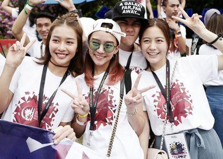 Kha Ngan than thiet voi dan dien vien 'Tuoi noi loan' trong tuan le Asian tai Malaysia - Anh 1