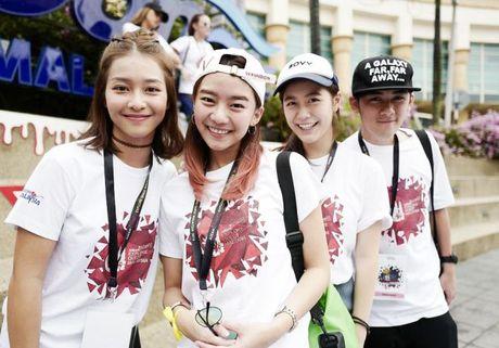 Kha Ngan than thiet voi dan dien vien 'Tuoi noi loan' trong tuan le Asian tai Malaysia - Anh 2