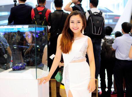 Nhung bong hong nong bong tai trien lam Motorshow 2016 - Anh 11