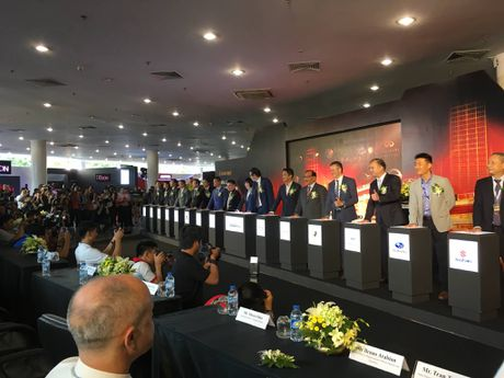 Nhung bong hong nong bong tai trien lam Motorshow 2016 - Anh 1