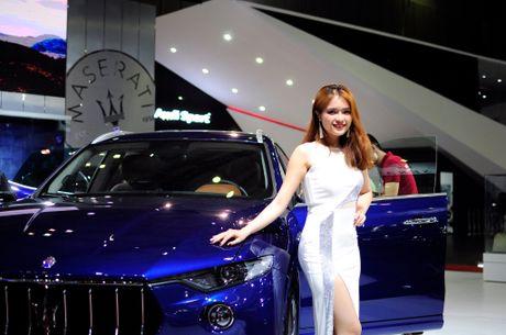 Nhung bong hong nong bong tai trien lam Motorshow 2016 - Anh 8