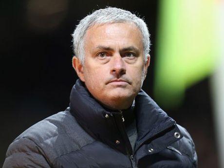 Mourinho thua nhan cuoc song tham hoa o MU - Anh 1