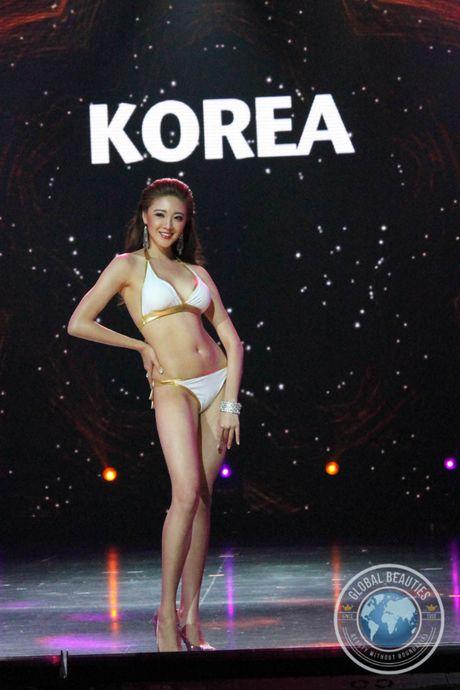 Thi sinh Indonesia dang quang Hoa hau Hoa binh Quoc te - Anh 13