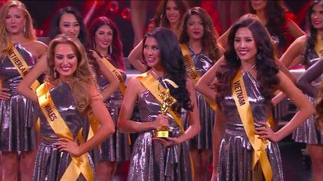 Thi sinh Indonesia dang quang Hoa hau Hoa binh Quoc te - Anh 14