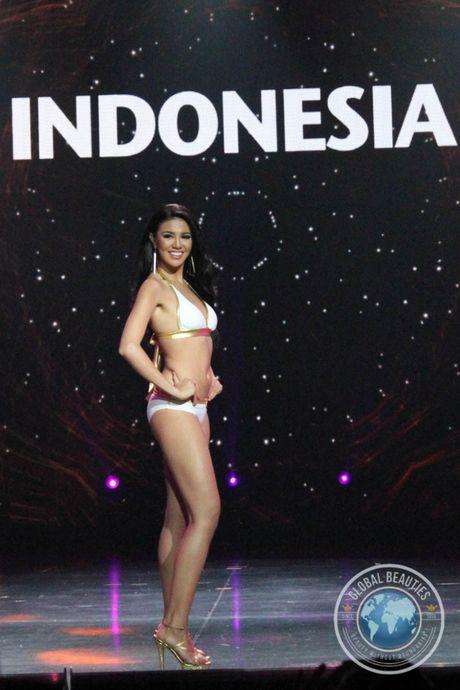 Thi sinh Indonesia dang quang Hoa hau Hoa binh Quoc te - Anh 5