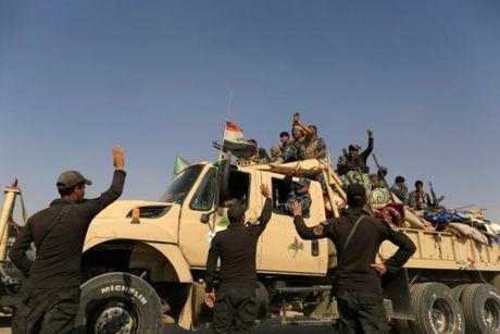 IS o Syria gui hang tram phan tu danh bom ve Mosul - Anh 3