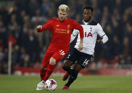 Ha Tottenham, Liverpool tien vao tu ket cup Lien doan - Anh 2
