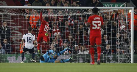 Ha Tottenham, Liverpool tien vao tu ket cup Lien doan - Anh 3