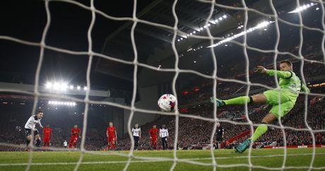 Ha Tottenham, Liverpool tien vao tu ket cup Lien doan - Anh 6