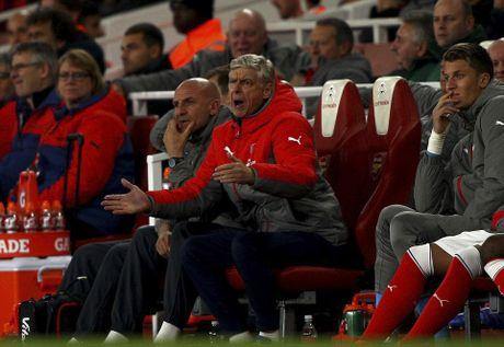 Chien thang khong tron ven cua Arsenal o cup Lien doan - Anh 10