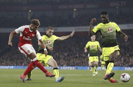 Chien thang khong tron ven cua Arsenal o cup Lien doan - Anh 4