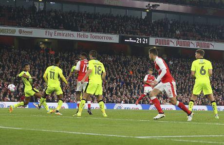 Chien thang khong tron ven cua Arsenal o cup Lien doan - Anh 5