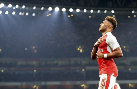 Chien thang khong tron ven cua Arsenal o cup Lien doan - Anh 6
