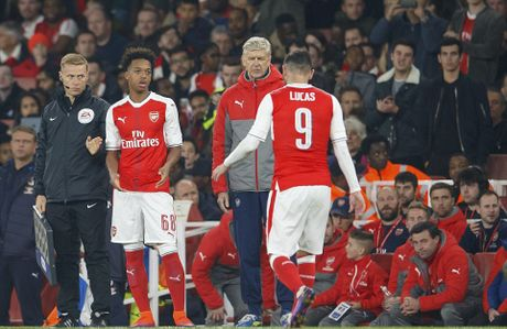 Chien thang khong tron ven cua Arsenal o cup Lien doan - Anh 7