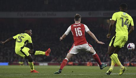 Chien thang khong tron ven cua Arsenal o cup Lien doan - Anh 8