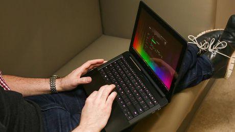 10 mau laptop co thiet ke dep nhat - Anh 3