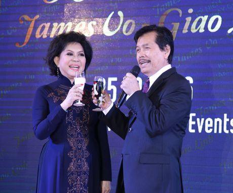 Danh ca Giao Linh khong hoi han khi lay chong co 3 doi vo - Anh 2