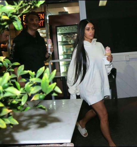 Kim Kardashian xuat hien nhot nhat sau vu cuop - Anh 1