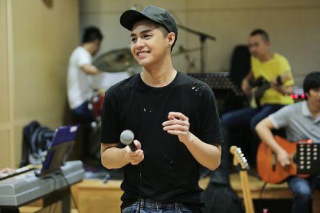 Noo Phuoc Thinh tap luyen vat va cho live show - Anh 6