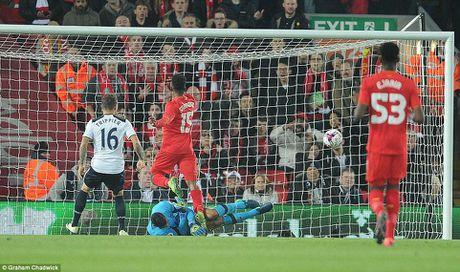 Liverpool da bay Tottenham, vao tu ket Cup Lien doan Anh - Anh 4