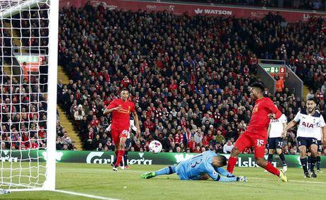 Liverpool da bay Tottenham, vao tu ket Cup Lien doan Anh - Anh 5