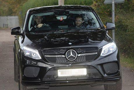 Martial tu bo sieu xe, Mata quan quit voi De Gea - Anh 3