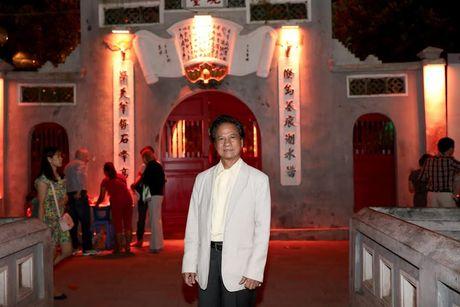 Fan nu lon tuoi 'nao loan' Bo Ho vi Che Linh - Anh 1