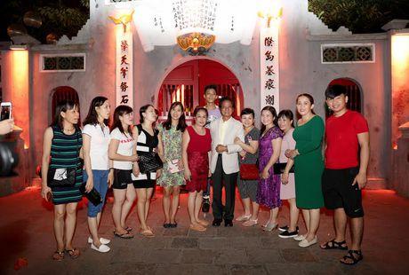 Fan nu lon tuoi 'nao loan' Bo Ho vi Che Linh - Anh 3