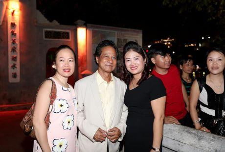 Fan nu lon tuoi 'nao loan' Bo Ho vi Che Linh - Anh 5