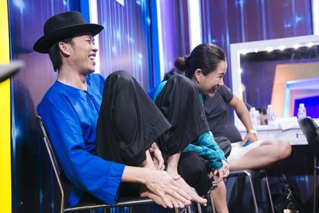 Hoai Linh tai xuat, gat phang tin don bao benh - Anh 2