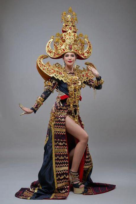 Tan Hoa hau Hoa binh Quoc te cuon hut vi ve tre trung, nong bong - Anh 1