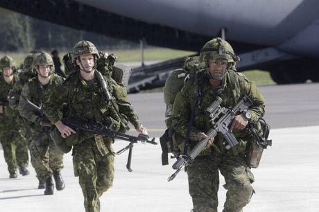 Nga 'ap dao' Syria, NATO rao riet tap hop quan doi 'khung' bao vay bien gioi - Anh 1