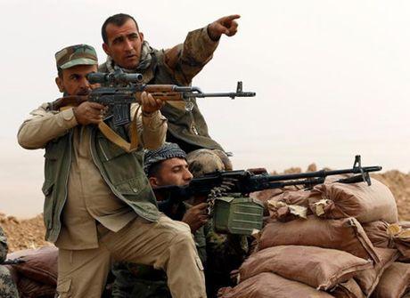 Hang tram nguoi Iraq do xo den cac khu ti nan trong chien dich Mosul - Anh 1