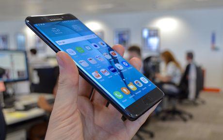 Loi nhuan cua Samsung Electronics giam manh do su co Note 7 - Anh 1
