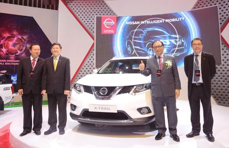 Hang Nissan gioi thieu ba mau xe moi nhat o VIMS 2016 - Anh 2