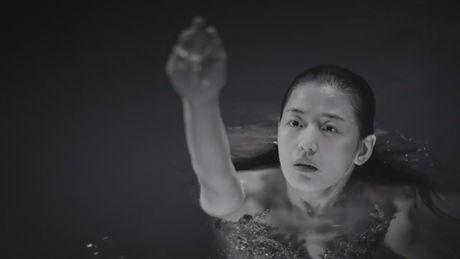 'Co nang ngo ngao' da bay Lee Min Ho vi dam nhin trom - Anh 14