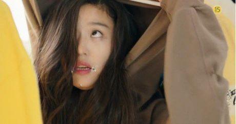 'Co nang ngo ngao' da bay Lee Min Ho vi dam nhin trom - Anh 9