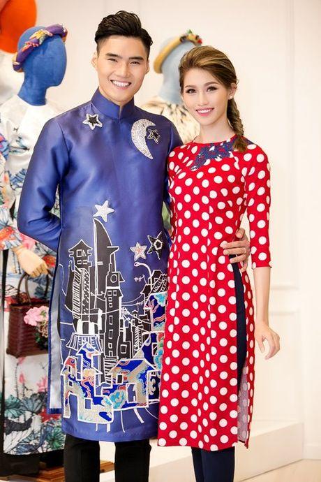 Dan my nhan Viet 'dep quen loi ve' voi ao dai cach tan - Anh 13