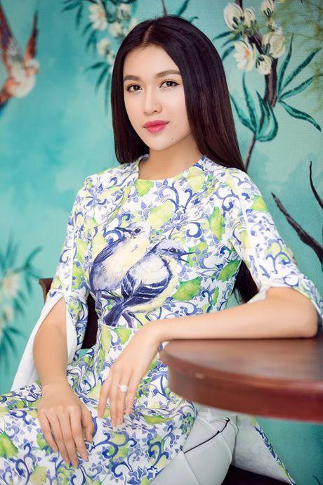 Dan my nhan Viet 'dep quen loi ve' voi ao dai cach tan - Anh 9