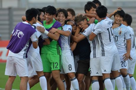 DIEM TIN SANG (27.10): U19 Viet Nam ap dung chien thuat cua Mourinho - Anh 1