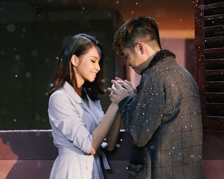 Bui Anh Tuan tinh tu ben co gai la trong MV moi - Anh 3