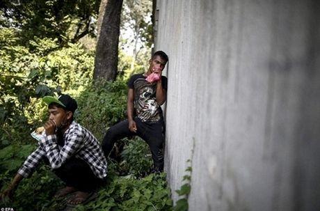 Kinh hoang cach giam doi cua tre em ngheo Nepal - Anh 4