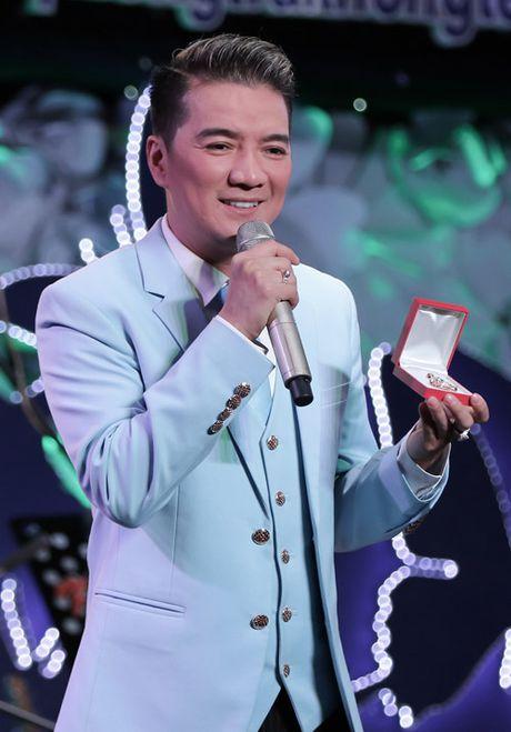 Phuong My Chi da diet hat tang dong bao mien Trung - Anh 11
