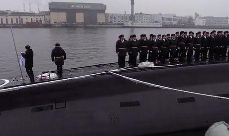 Putin trien khai sieu tau ngam tang hinh, cung ran ran de phuong Tay - Anh 3